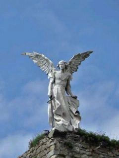 Ángel custodio, cementerio de comillas Cantabria